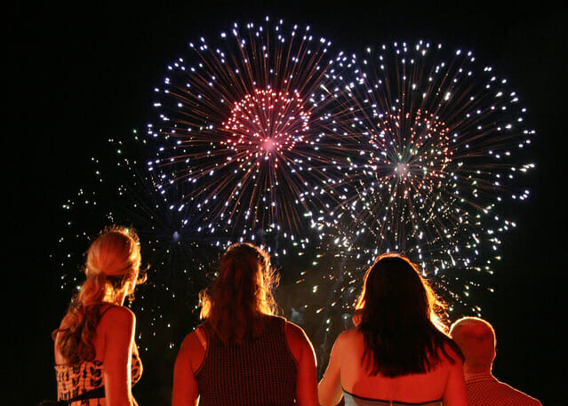 fireworks-1443766-639x456