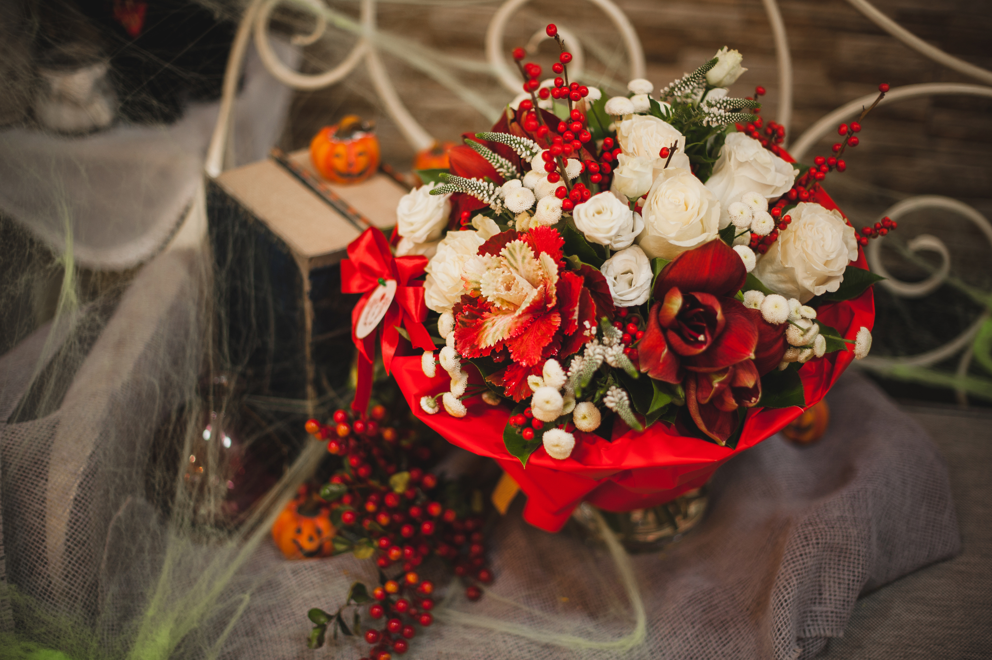 How to Set New Year Goals - Flowers Light Up Your Space